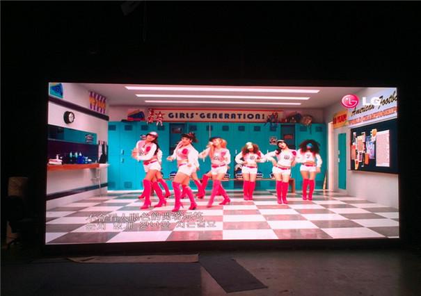 P2.5室内显示屏价格多少钱一平方米-- 深圳市四维鑫光电有限公司