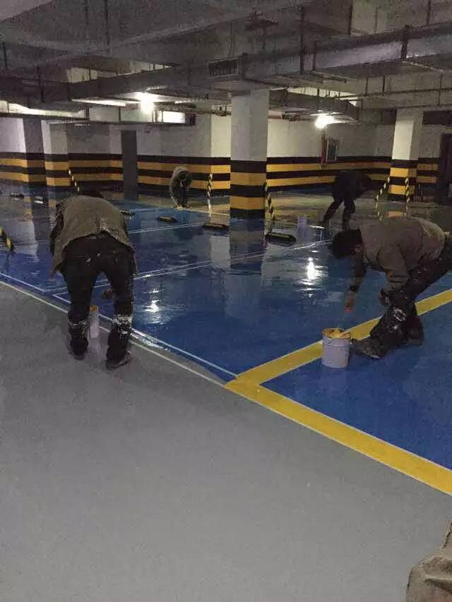 聊城中学微机室环氧树脂地坪漆防尘无菌