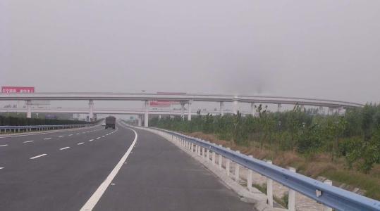 郑州绕城高速一标段-- 河南省豪来市政园林工程有限公司