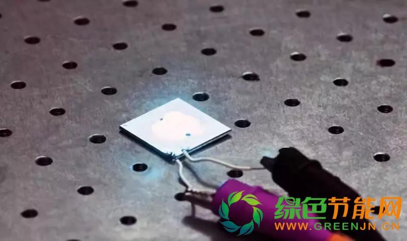 每瓦200流明 白光LED发光效率创新高