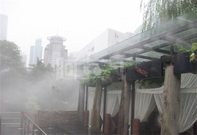 假山水池边冷雾人造雾系统-- 深圳通宝环境技术有限公司