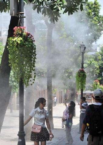 室外商业街雾喷冷雾降温造景设备工厂-- 深圳市通宝环境技术有限公司