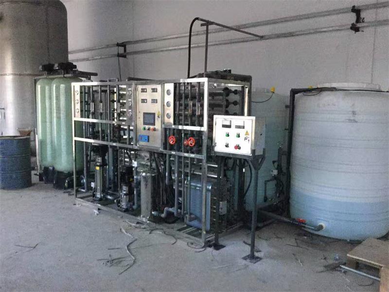 苏州超纯水设备/钢化玻璃清洗超纯水设备-- 苏州李氏水处理设备有限公司.