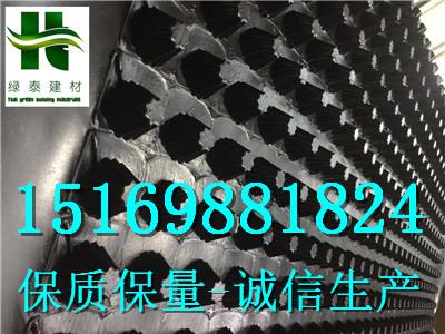 山东济南20高车库排水板/2公分地下室排水板-- 泰安市泽瑞土工材料有限公司