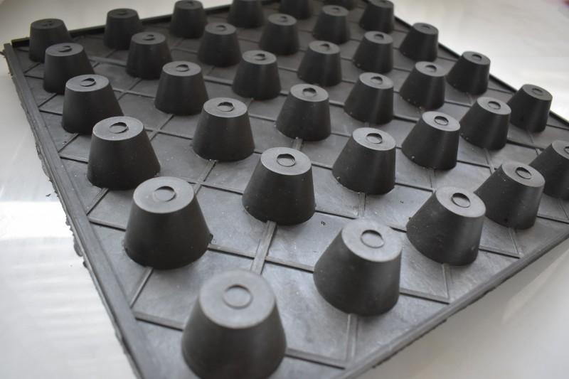 汕头3cm防渗水排水板施工和服务一体化-- 惠州市鸿集工程材料有限公司